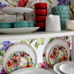 Kitchen Shelving: Designers Guild Alexandria Wallpaper finally up!