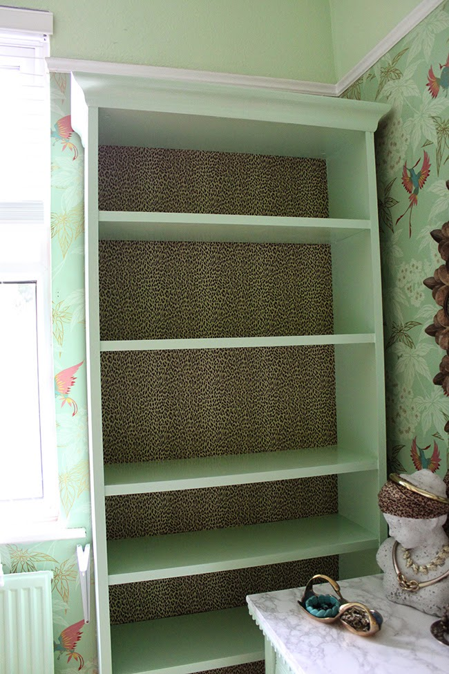 I've added a touch of glam to my Billy bookcase with this latest hack!