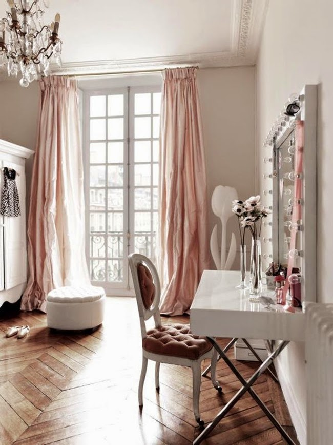 Gorgeous feminine dressing room inspiration