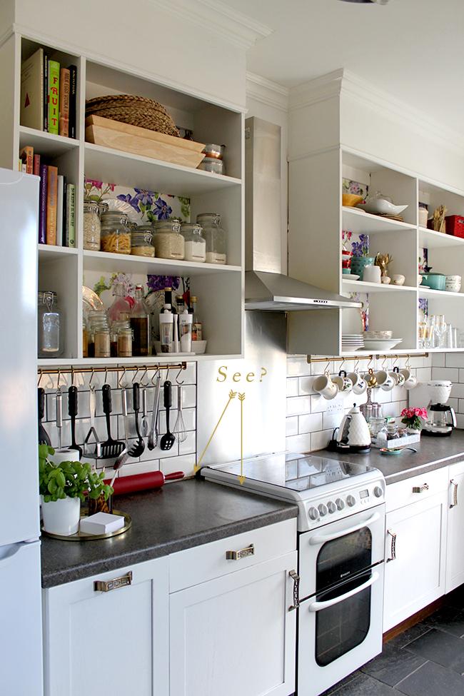 Gap between tiles and cooker