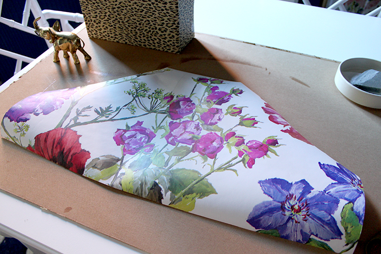 Using complimentary wallpaper to add to your DIY Ikea magazine files.