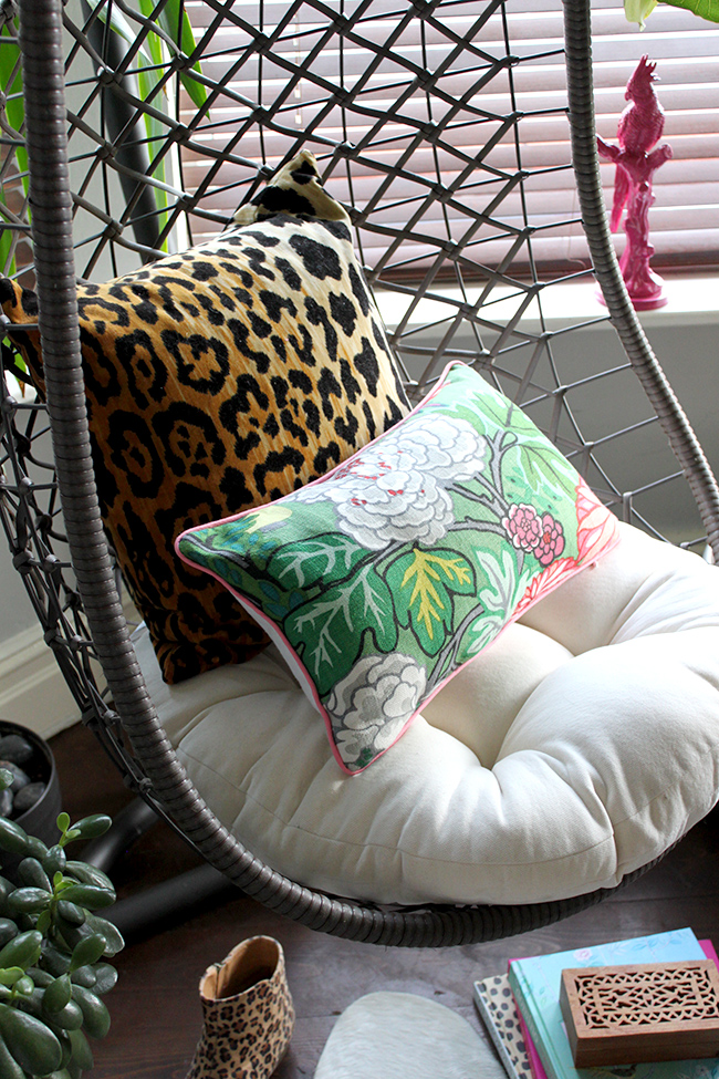 Swing Egg Stoel.Jungle Trend Styling A Hanging Egg Chair Swoon Worthy