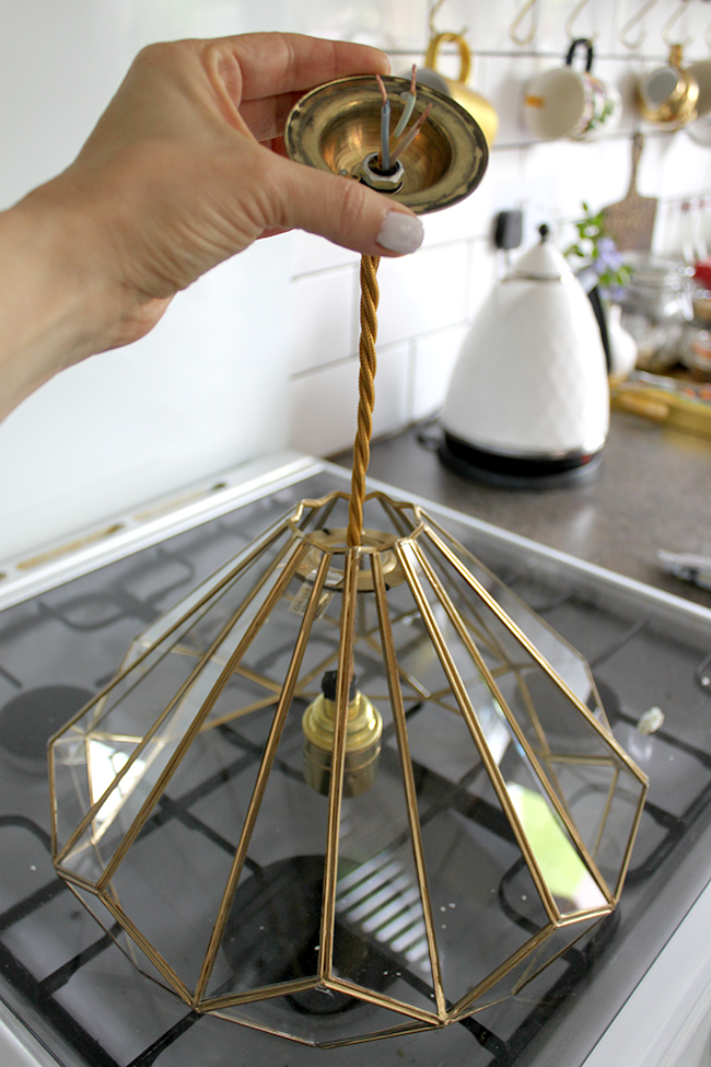 assembling around pendant