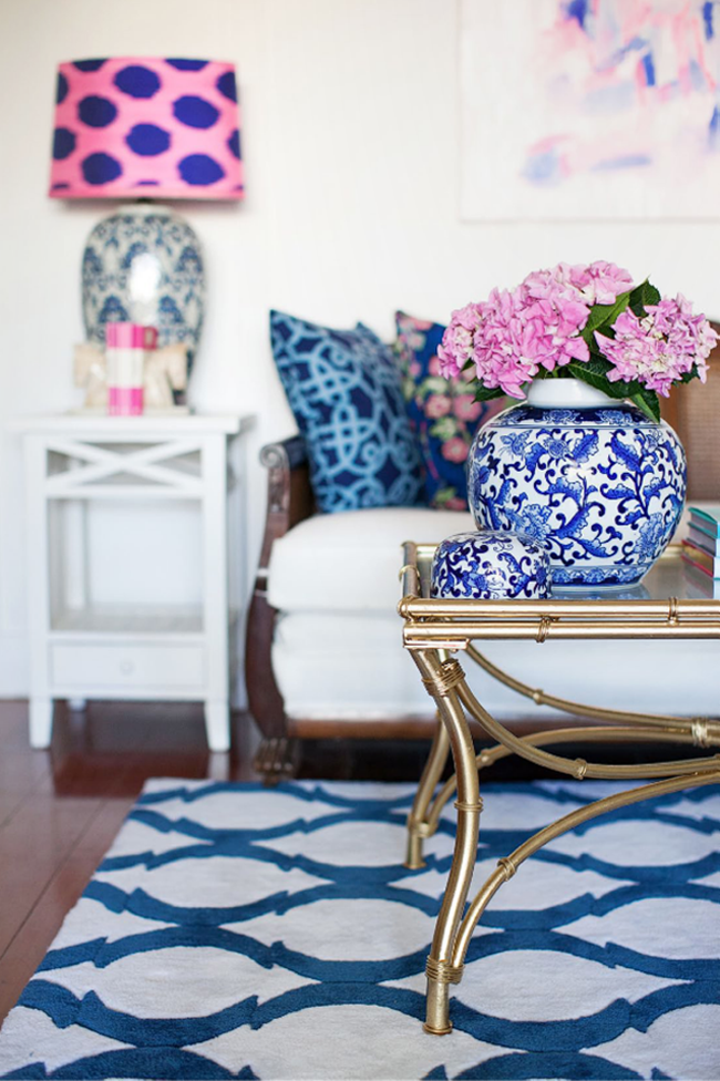 On fridays we wear pink and navy blue and white swoon worthy - Blue and pink living room ideas ...