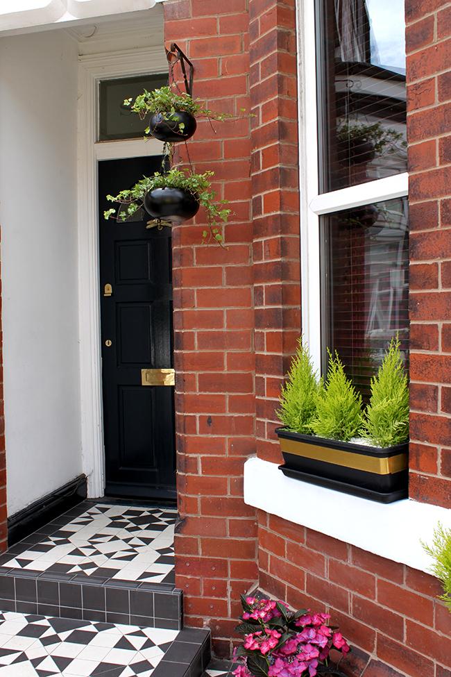 simple diy planters - Edwardian front door in Farrow and Ball Hague Blue with Victorian Floor Tiles - Swoon Worthy