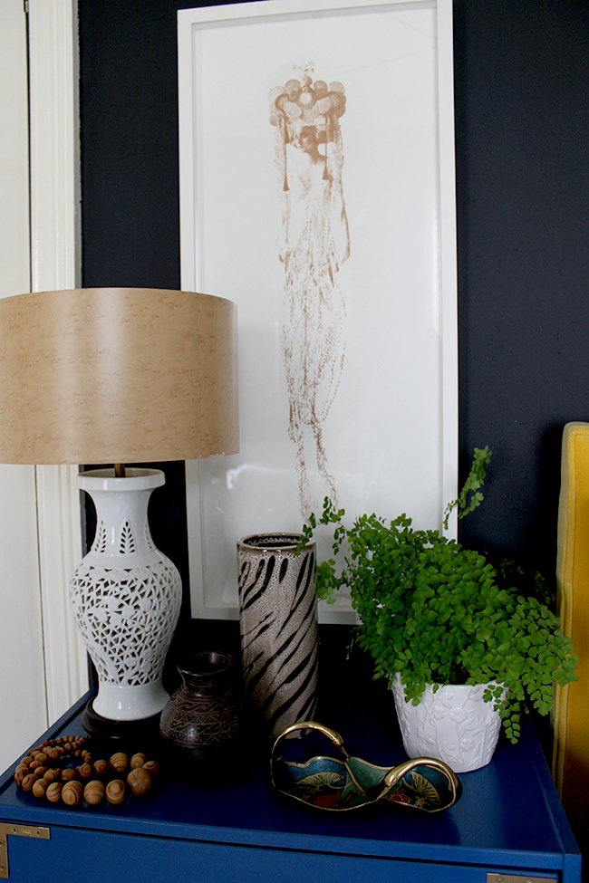 Does your bedroom have a Natural Organic feel? Find out how to a style a bedside table to match!