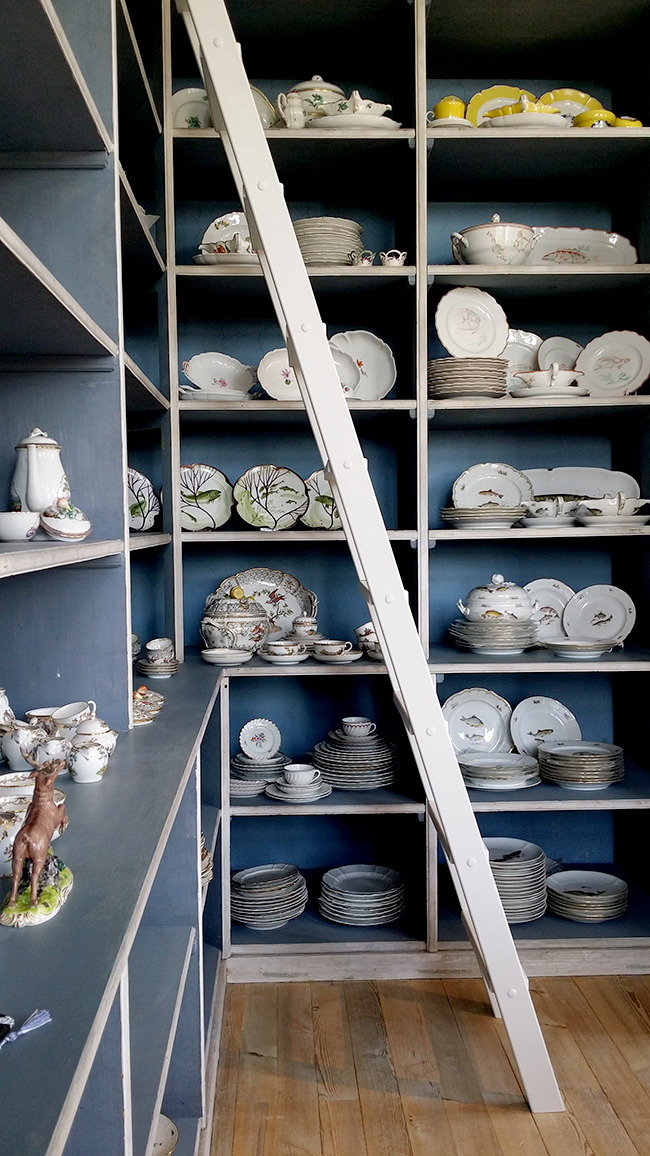 Porzellan Manufactur Nymphenburg ceramics on shelves