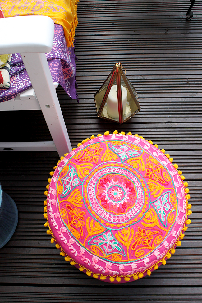 Eclectic Boho Glam Garden Reveal - Swoon Worthy - pink moroccan pouf