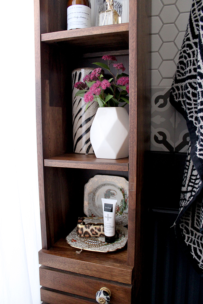 Swoon Worthy - bathroom shelf styling