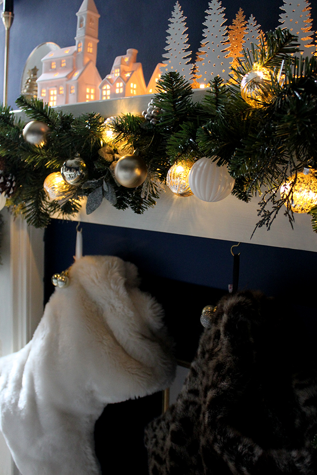 Swoon Worthy - Christmas Dining Room Mantle - see more at www.swoonworthy.co.uk