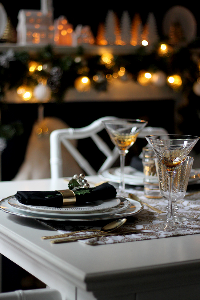 Swoon Worthy - Christmas Dining Table setting - see more at www.swoonworthy.co.uk
