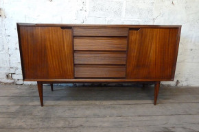 Vintage mid-century sideboard for dining room - Swoon Worthy