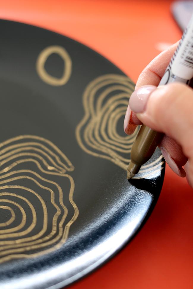 Drawing concentric circles diy malachite coasters
