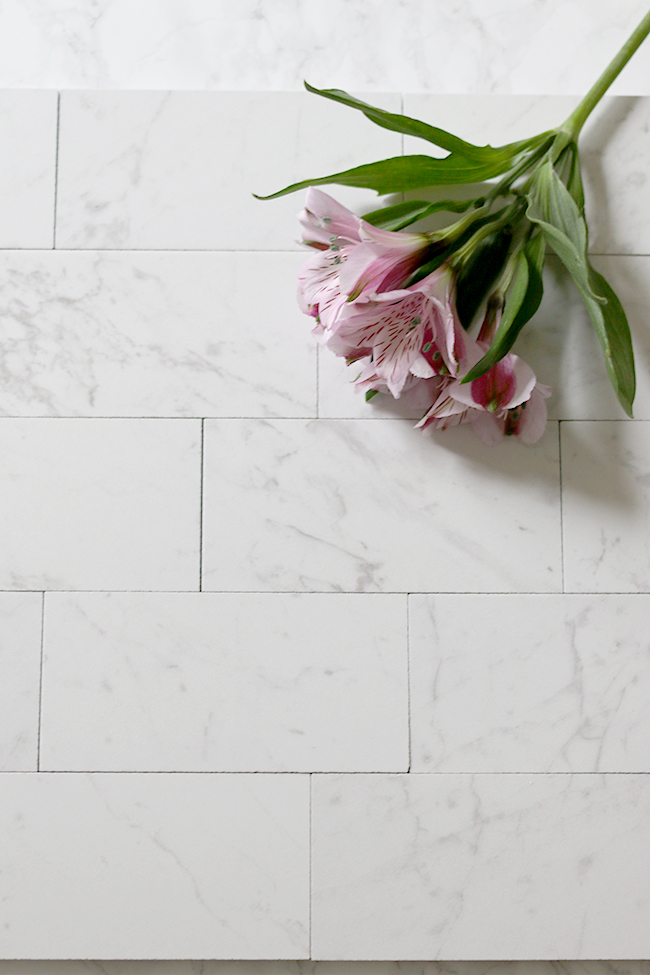 porcelain tiles that look like carrara marble