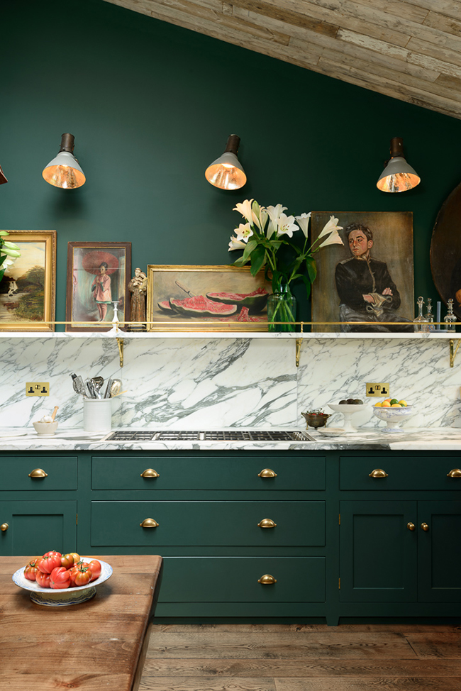 Green Kitchen: Two Beautiful Green Kitchens You HAVE To See
