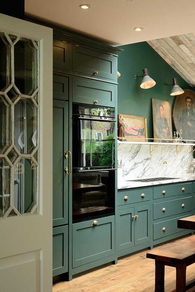 The Peckham Rye green kitchen - deVOL