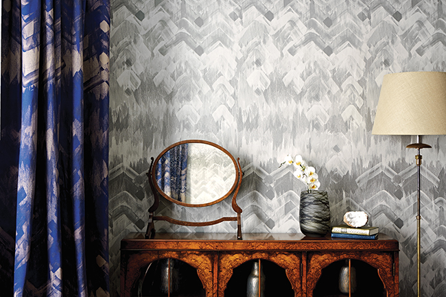 17 Patterns_Brushed-Herringbone-Wallpaper_Grey