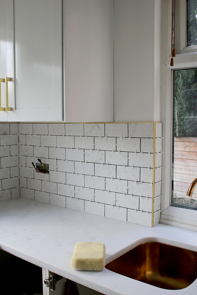 Marble Effect Kitchen Tiles And Brass Trim With Tile Mountain Swoon Worthy