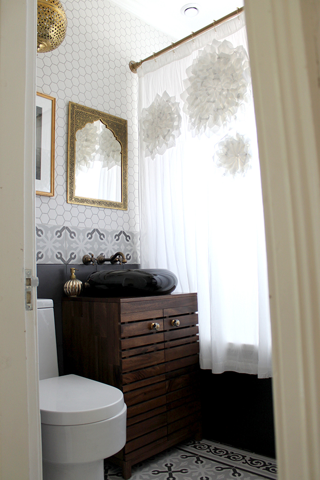 neutral electic boho glam bathroom