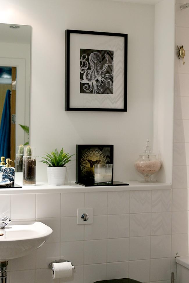 curious-apartment-bathroom-1