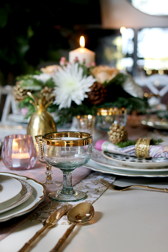 How to create a glam Christmas table setting on a budget with blush pink and gold & How to Create a Glam Christmas Table Setting on a Budget! - Swoon Worthy