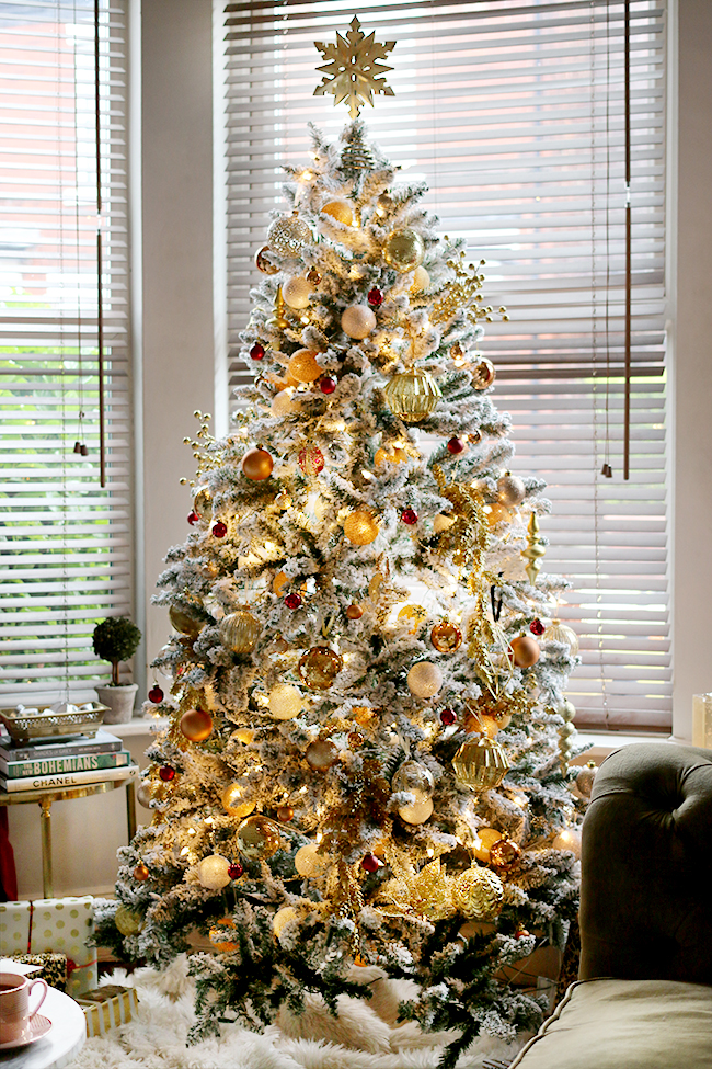 glam flocked Christmas tree in gold and red - see more on www.swoonworthy.co.uk