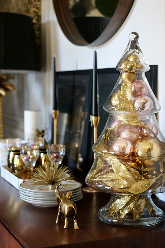 swoon-worthy-christmas-dining-room-blush-pink-gold-black-1