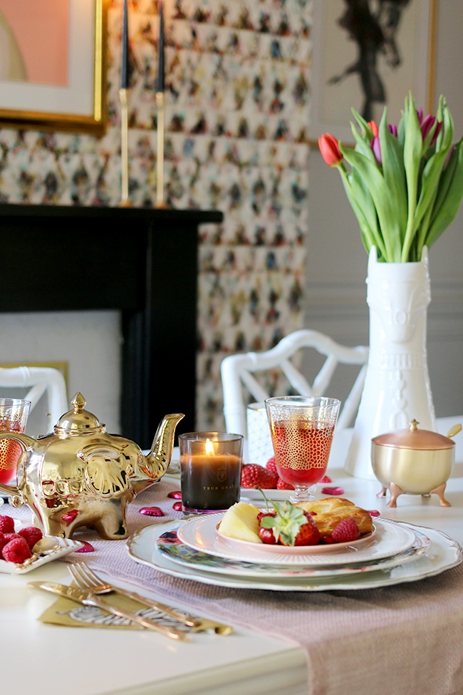 valentine's day table setting breakfast for two