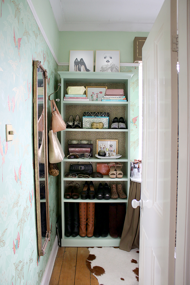 dressing room shelf styling