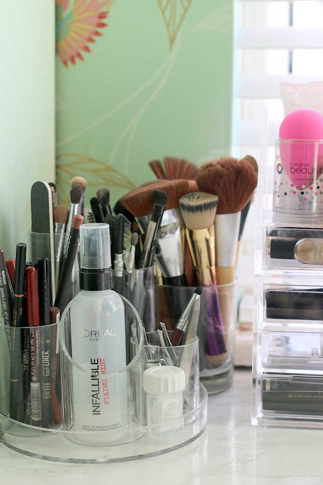 How I organise my makeup collection including makeup brushes and nail care