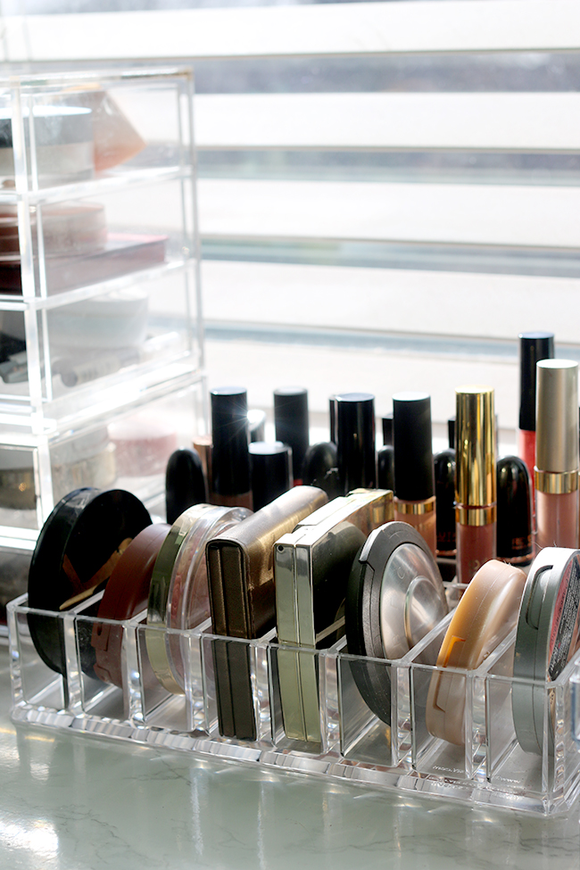 Are you a makeup collection hoarder too? Find out how I organise my stash!