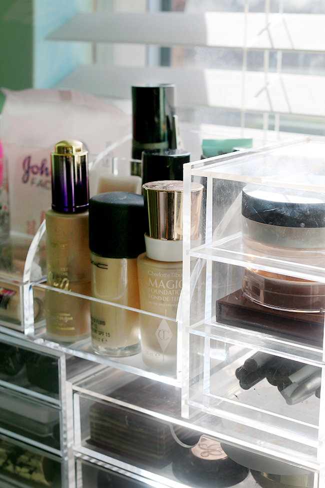 the products I use for organising my makeup collection