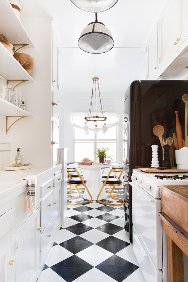 Brady-Tolbert_Emily-Henderson_Black-and-White-Kitchen