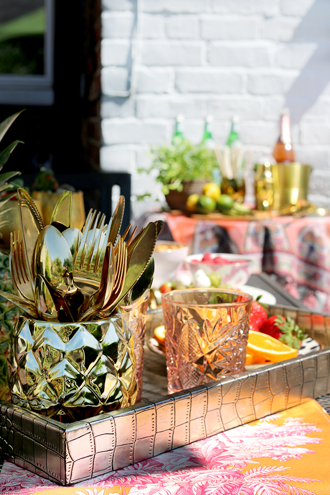garden entertaining in gold peach and pink shades