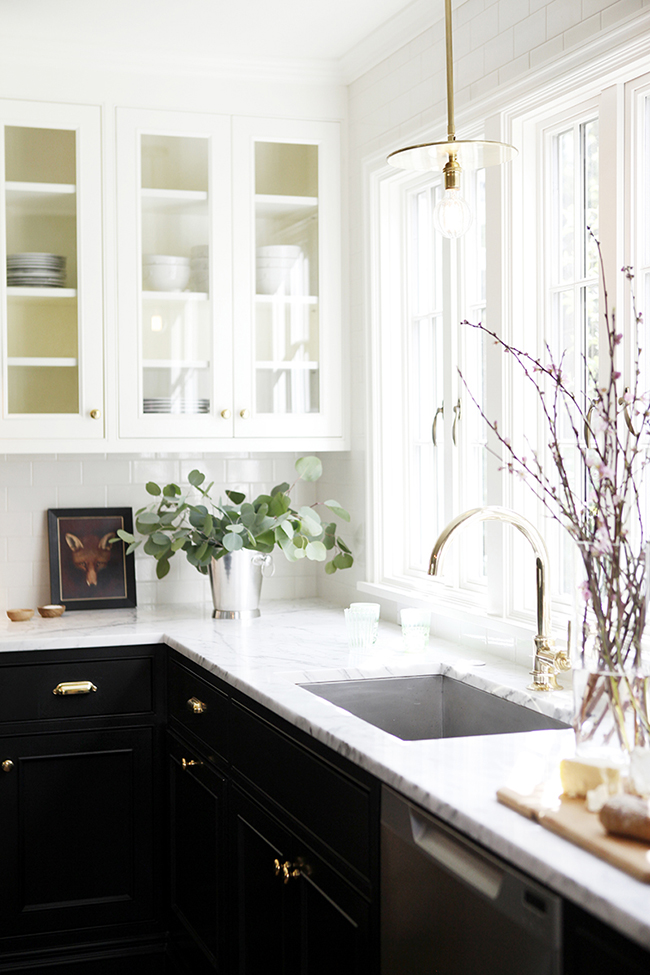 7 ideas to make the most of a small kitchen swoon worthy. Black Bedroom Furniture Sets. Home Design Ideas