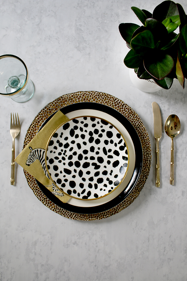 table setting mix and match black and white with green and polkadots