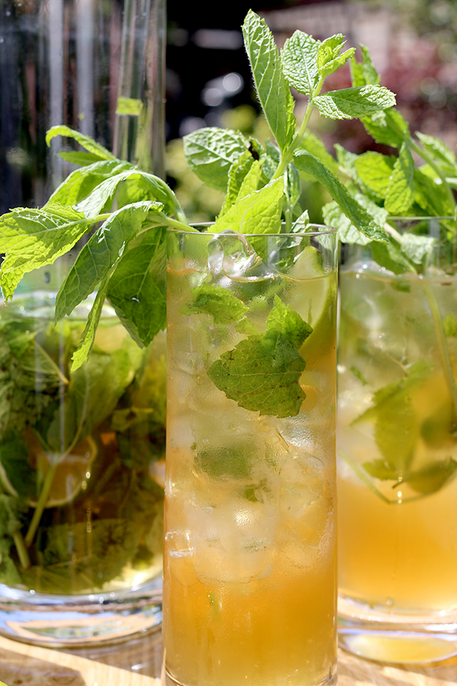 Mint Green Tea Mojito cocktail detail