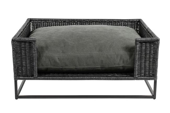 Morris stonewashed black pet bed