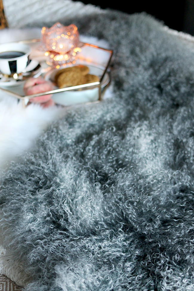 As the weather starts to get a little cooler it's time to make your home feel cosy! Find out why I think you probably need to invest in a Mongolian sheepskin throw this Autumn.