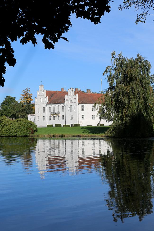 Wanäs Estate Sweden 15th century castle on lake