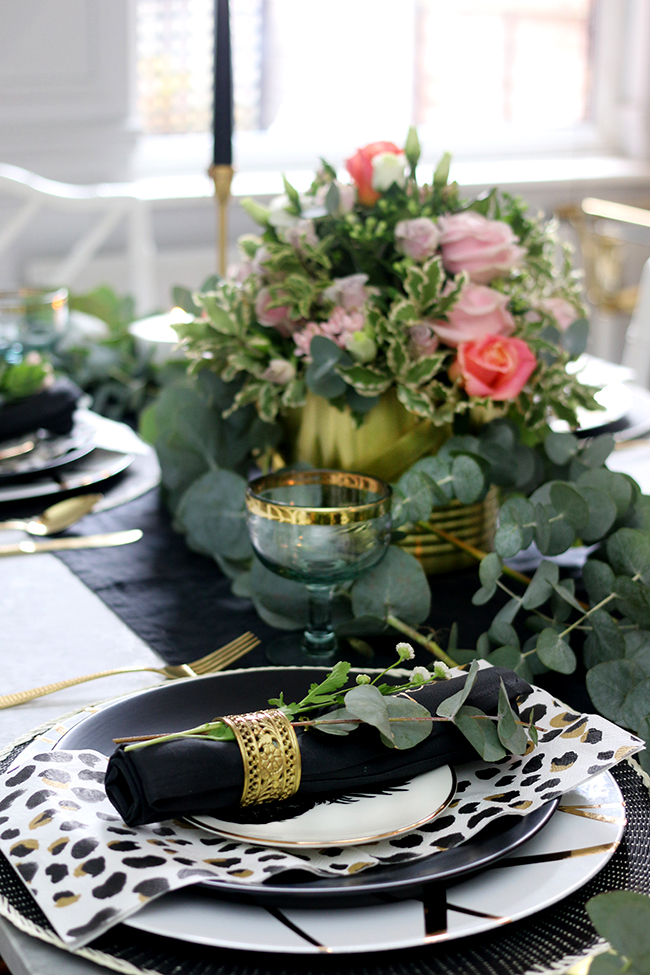 Autumn Table Setting in Black White Gold and Green