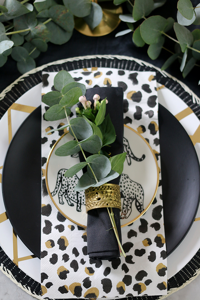 Check out my tips on creating a gorgeous Autumn tablescape in black white gold and green