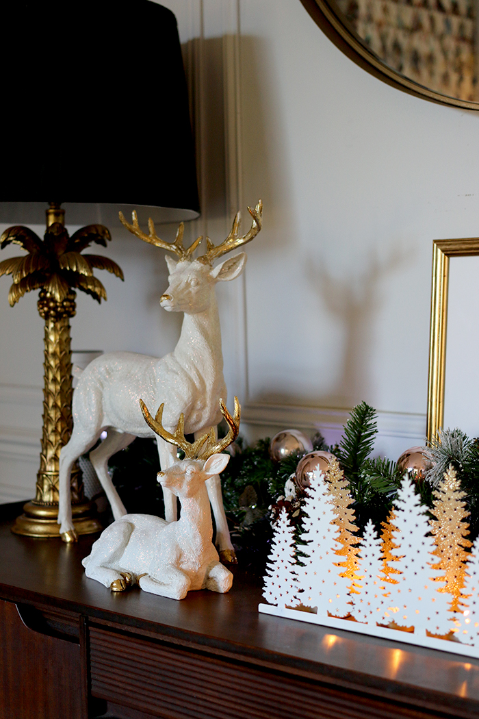 christmas sideboard display