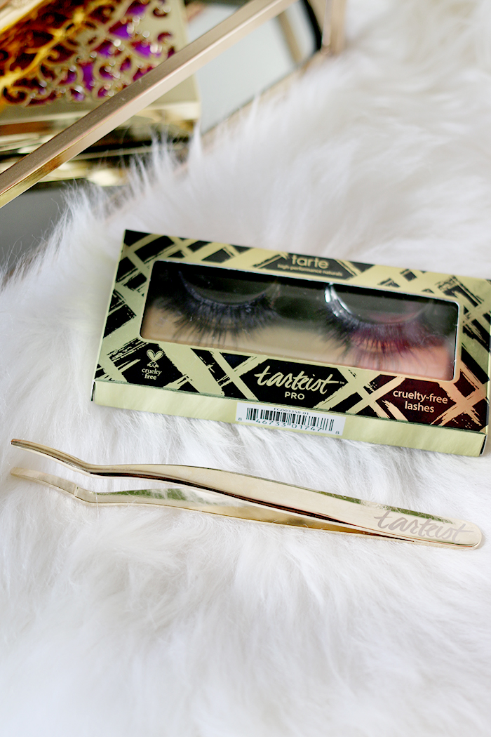 The Little Lash Helper Lash Applicator is one of my must-try products from Tarte Cosmetics!
