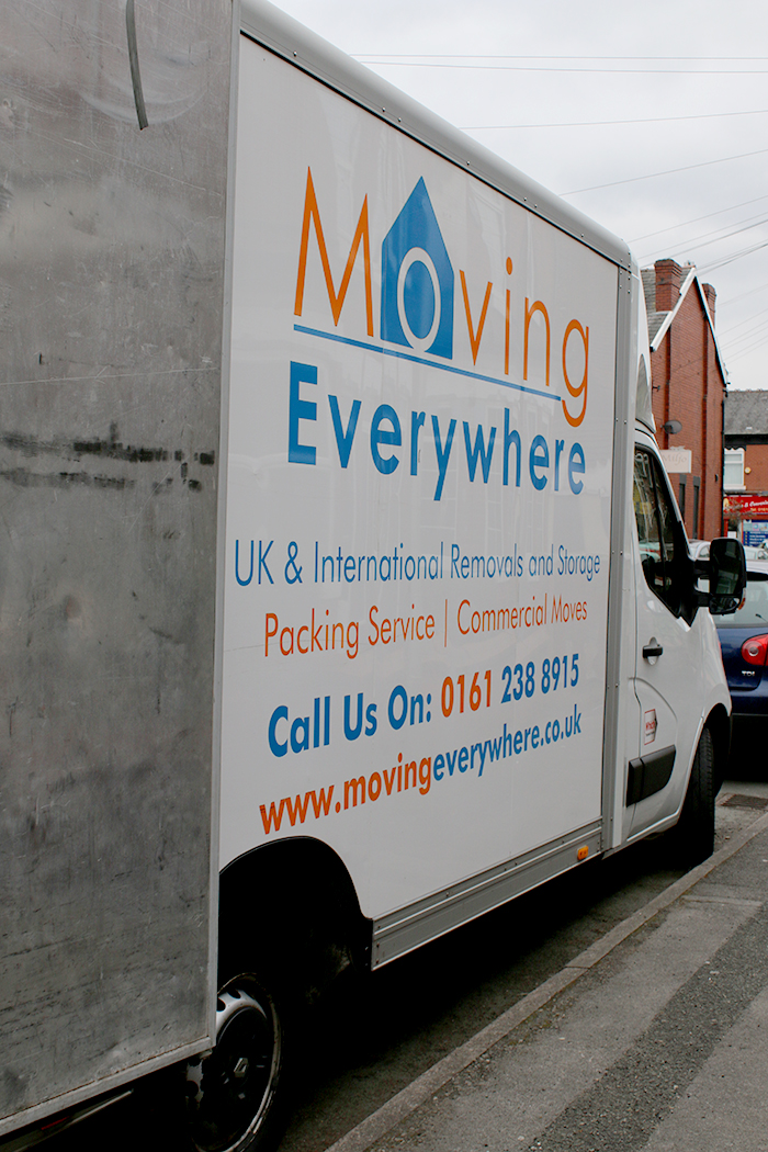 Movingeverywhere truck parked outside - review blog