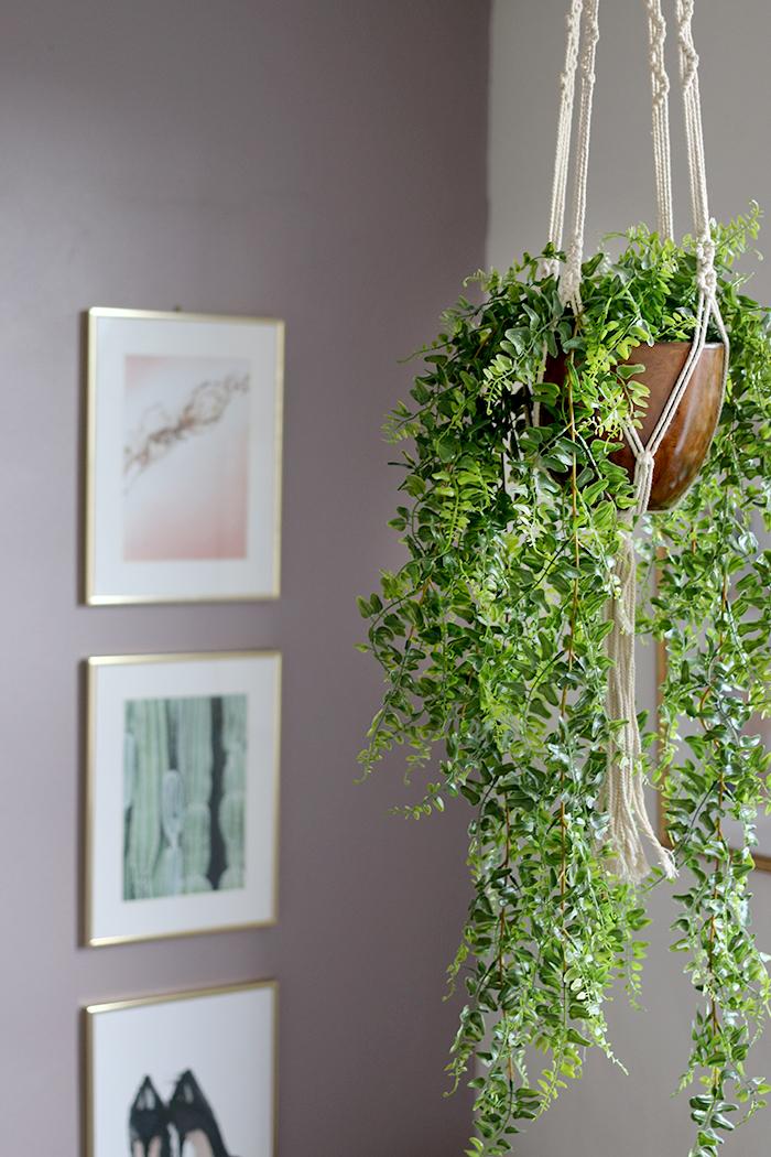 hanging faux ivy in macrame hanger