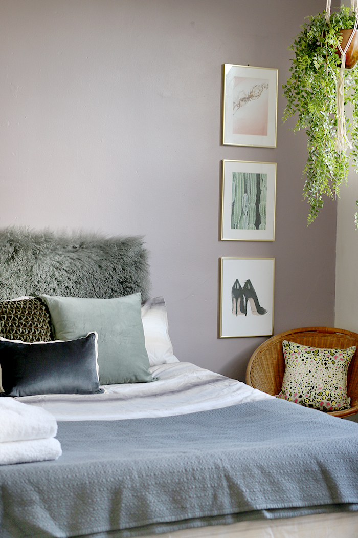 Inexpensive guest bed styling
