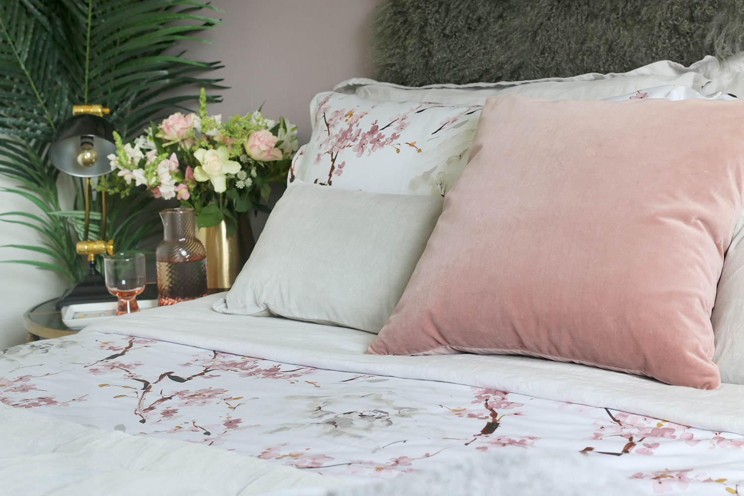 a6a1968706e How to Create the Perfect Guest Bedroom - Swoon Worthy
