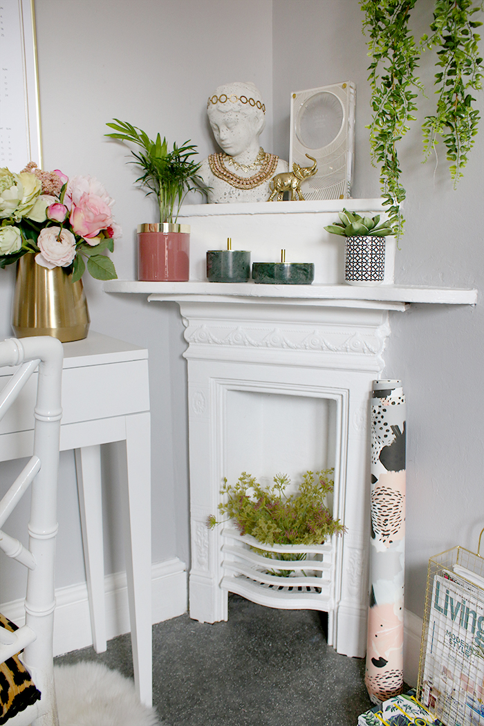 small corner Victorian fireplace styling