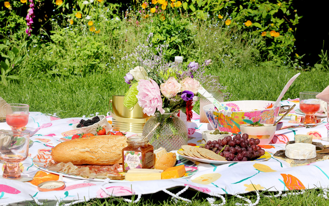 Summer Picnic: How to Style It and What to Serve